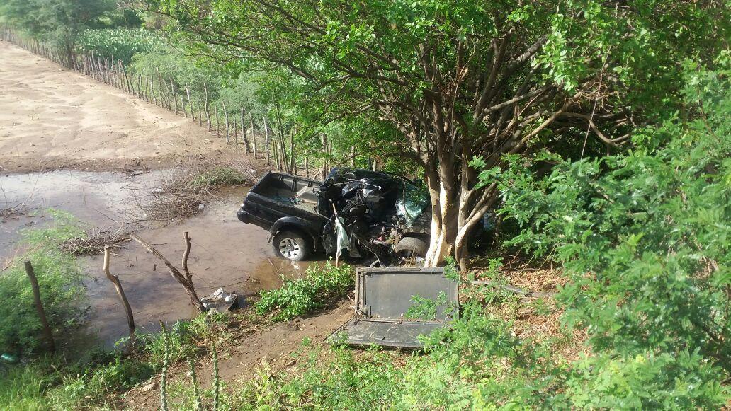 a3 Tragédia: Acidente mata um e deixa dois feridos na BR-412 em Monteiro