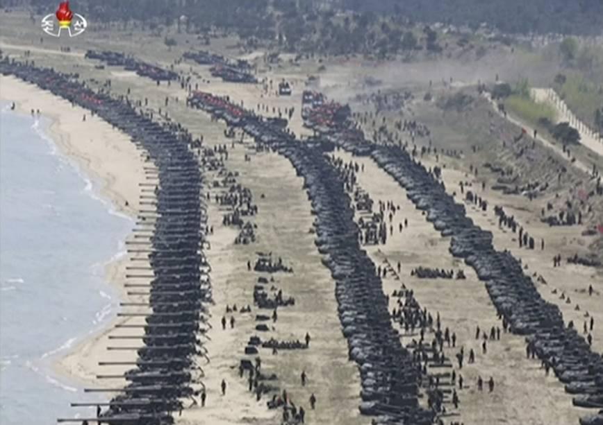 ap_17116306638224 Coreia do Norte: primeiras fotos de exercício militar divulgadas