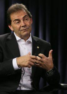 deputado-federal-concedeu-entrevista-ao-uol-e-a-folha-em-25-de-setembro-de-2013-a-gravacao-ocorreu-no-estudio-do-grupo-folha-em-brasilia-1380145198042_300x420-214x300 Câmara gasta R$ 47 mi em 1 ano com passagens aéreas; Paulinho da Força é o campeão