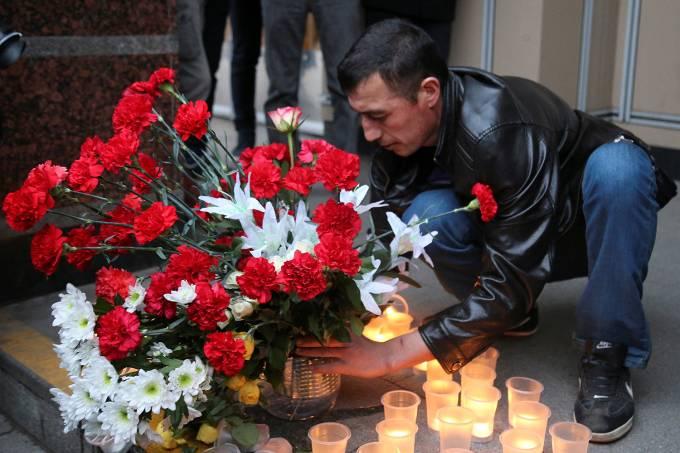 explosa-metro-sao-petersburgo-20170403-0013-300x200 Sobe para 14 o número de mortos no metrô de São Petersburgo