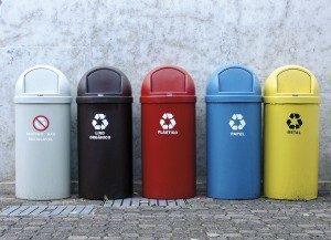 lixo2-300x217-300x217 Lei Federal 12.305/2010: o lixo, a solução e o convite - Por Aldo Ribeiro