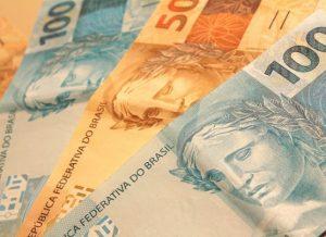 timthumb-20-300x218 Governo propõe salário mínimo de R$ 979 para 2018