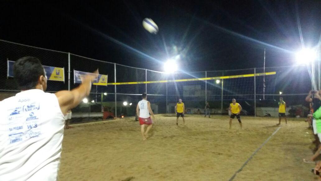 volei-de-areia-03 Vice prefeito prestigia semi finais do torneio de vôlei de areia