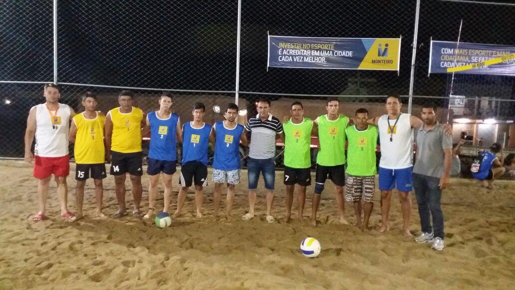 volei-de-areia-monteiro Vice prefeito prestigia semi finais do torneio de vôlei de areia