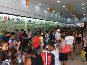 02b54cf8-c054-47f4-aeed-b420f3279aa9-300x225 Confira como foi a inauguração da Realce Calçados a maior Loja de Calçados de Monteiro e Região