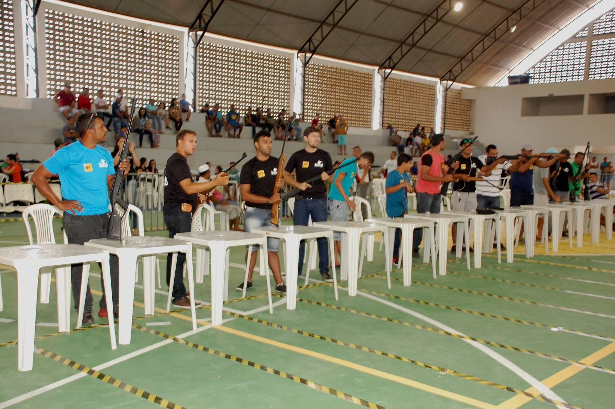 18738607_1889324458007411_2573191065321432667_o-300x199 Participantes comemoram o sucesso do Torneio de Tiro Esportivo de Monteiro