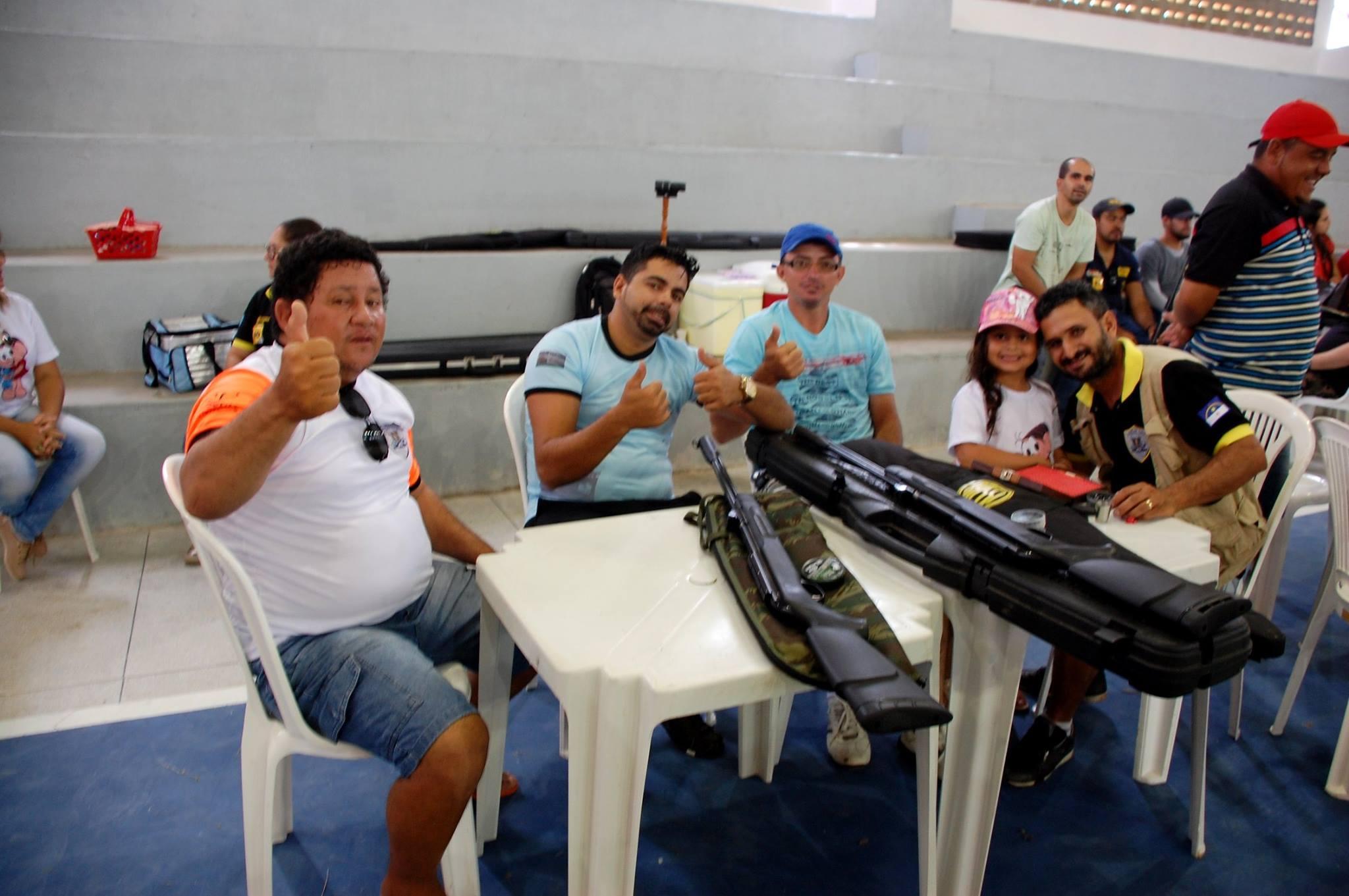 18766565_1889324768007380_4299036216928804959_o-300x199 Participantes comemoram o sucesso do Torneio de Tiro Esportivo de Monteiro