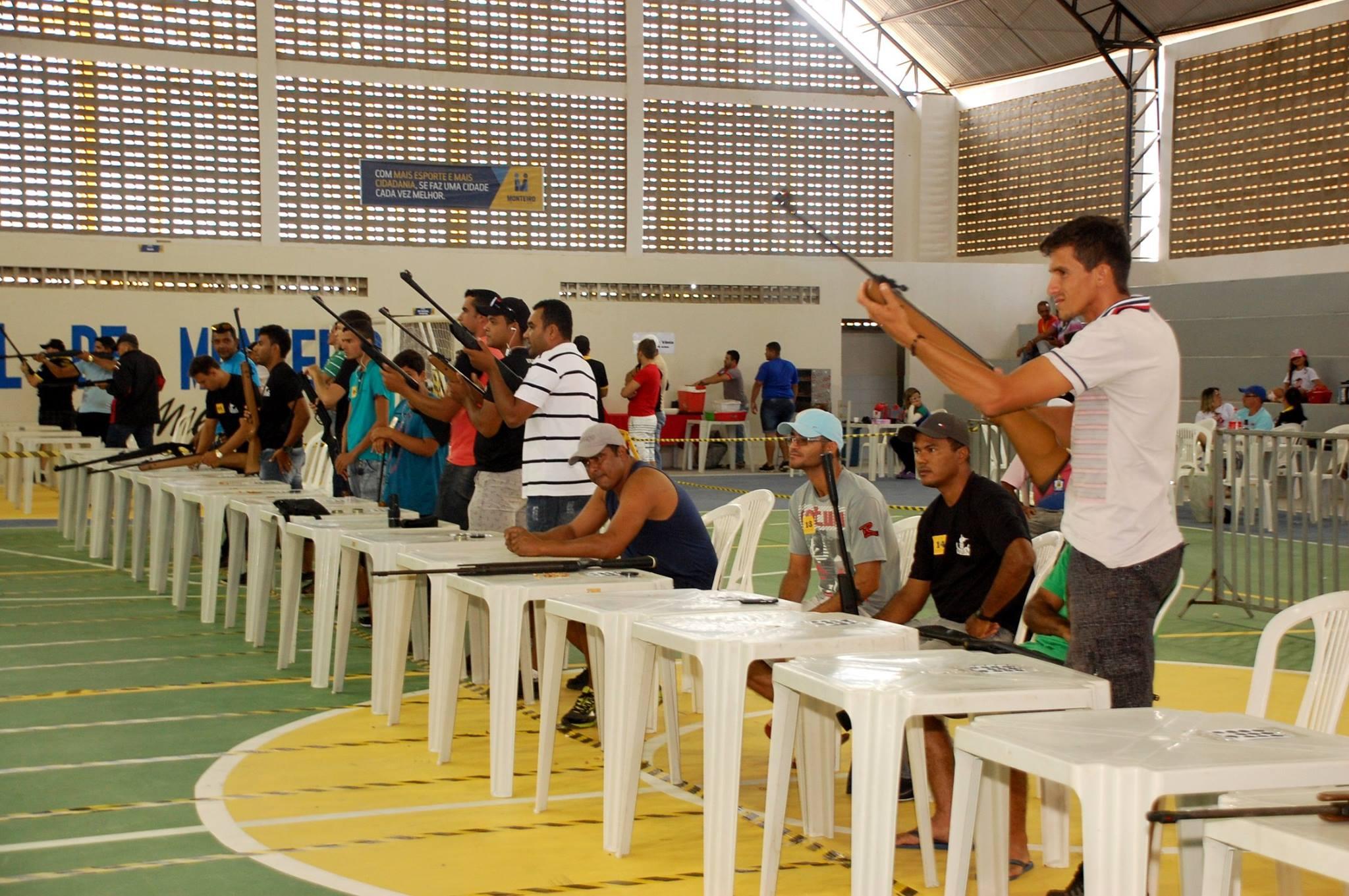 18768191_1889324561340734_6468302097174096098_o-1-300x199 Participantes comemoram o sucesso do Torneio de Tiro Esportivo de Monteiro