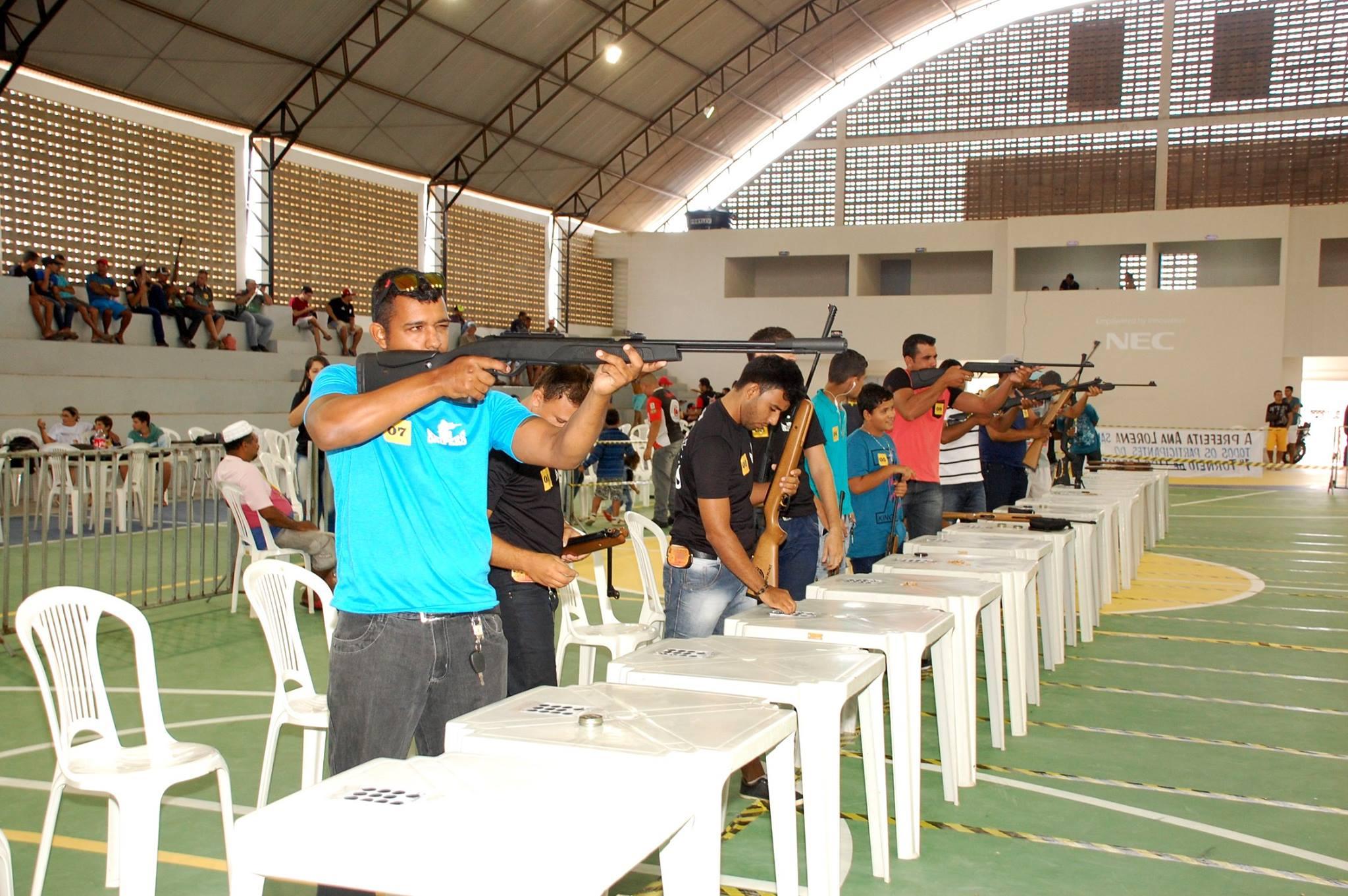 18814707_1889324278007429_5809631529542973742_o-300x199 Participantes comemoram o sucesso do Torneio de Tiro Esportivo de Monteiro