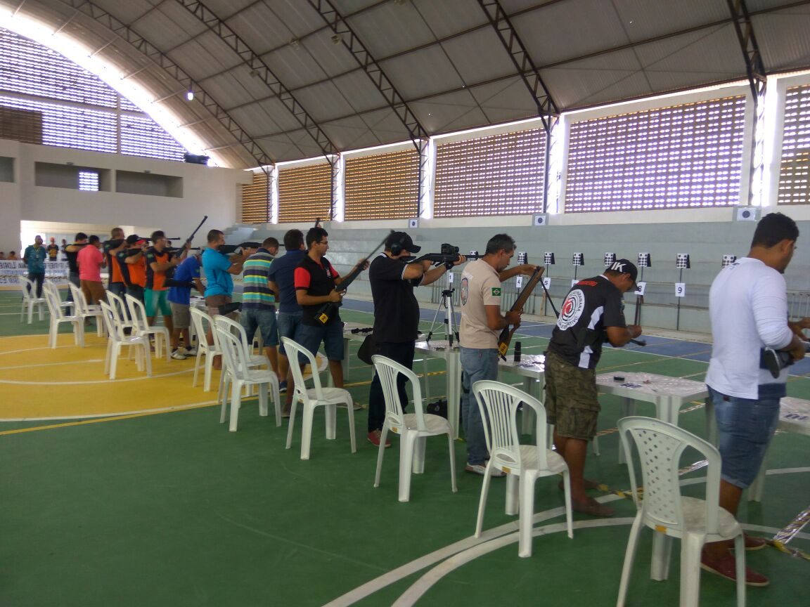 1a72072e-6a0f-42d4-a4f7-2f0ba3aa5088-300x225 Participantes comemoram o sucesso do Torneio de Tiro Esportivo de Monteiro