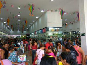 30564611-0ee0-487b-960b-05992d15aeb6-300x225 Confira como foi a inauguração da Realce Calçados a maior Loja de Calçados de Monteiro e Região
