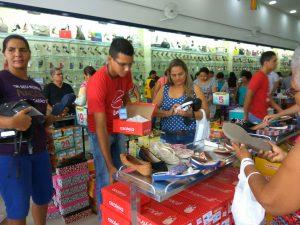 87d52310-b2cf-4028-aac7-a460aab185b0-300x225 Confira como foi a inauguração da Realce Calçados a maior Loja de Calçados de Monteiro e Região