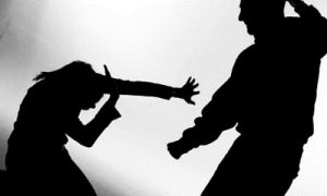 Violencia-conta-mae-300x180 Mãe é agredida pelo filho com socos e pontapés em Monteiro