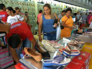 a087474d-4c8d-48f9-86c9-b1f65f659aae-300x225 Confira como foi a inauguração da Realce Calçados a maior Loja de Calçados de Monteiro e Região