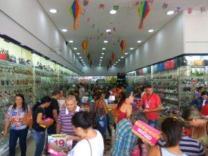 a3d42f8e-40a3-42e5-b4e4-c6975a058351-300x225 Confira como foi a inauguração da Realce Calçados a maior Loja de Calçados de Monteiro e Região