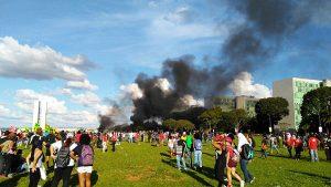 ato-contra-temer-300x169 PM e manifestantes entram em confronto em ato contra Temer