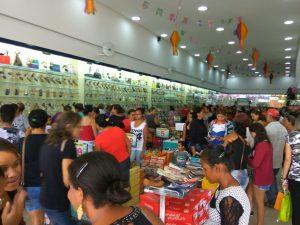 f5a821f5-e737-4e3d-84c9-d9bb45ec0148-300x225 Confira como foi a inauguração da Realce Calçados a maior Loja de Calçados de Monteiro e Região