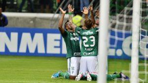 palmeiras-300x169 Nada de sufoco: Palmeiras vence argentinos e passa como líder de grupo na Libertadores