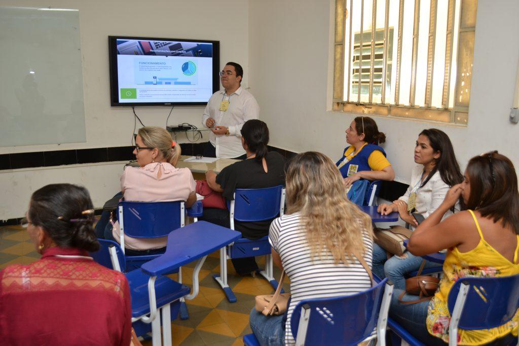 saude_pmaq_palestrante-1024x683 Profissionais da Atenção Básica de Monteiro passam por atualização do PMAQ