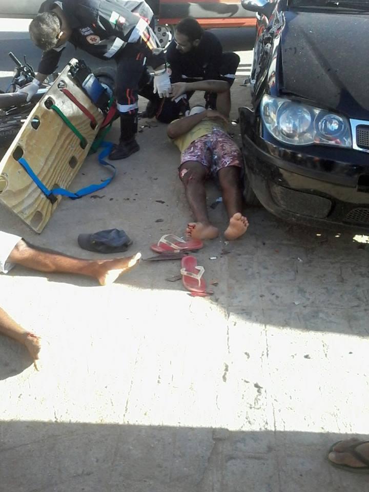 18928244_10210021688201903_422800440_n-225x300 Colisão entre carro e moto deixa duas pessoas feridas em Monteiro