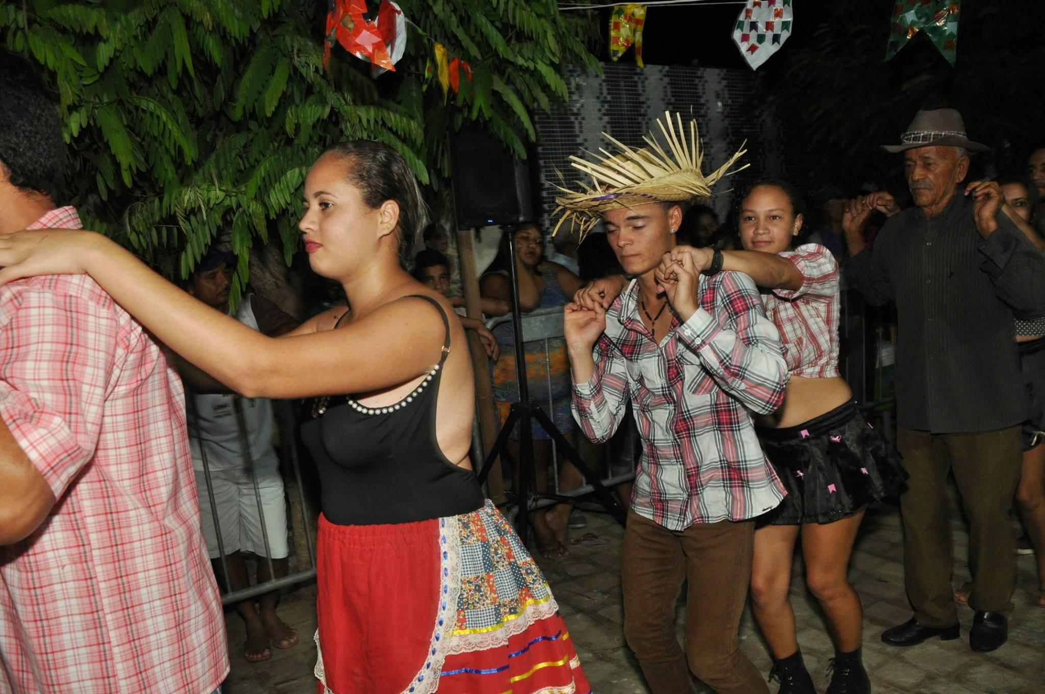 19055756_1899329970340193_5608689052328468876_o-1024x680 OPIPOCO mostra como foi a Segunda noite do festival de quadrilhas em Monteiro. Confira Imagens