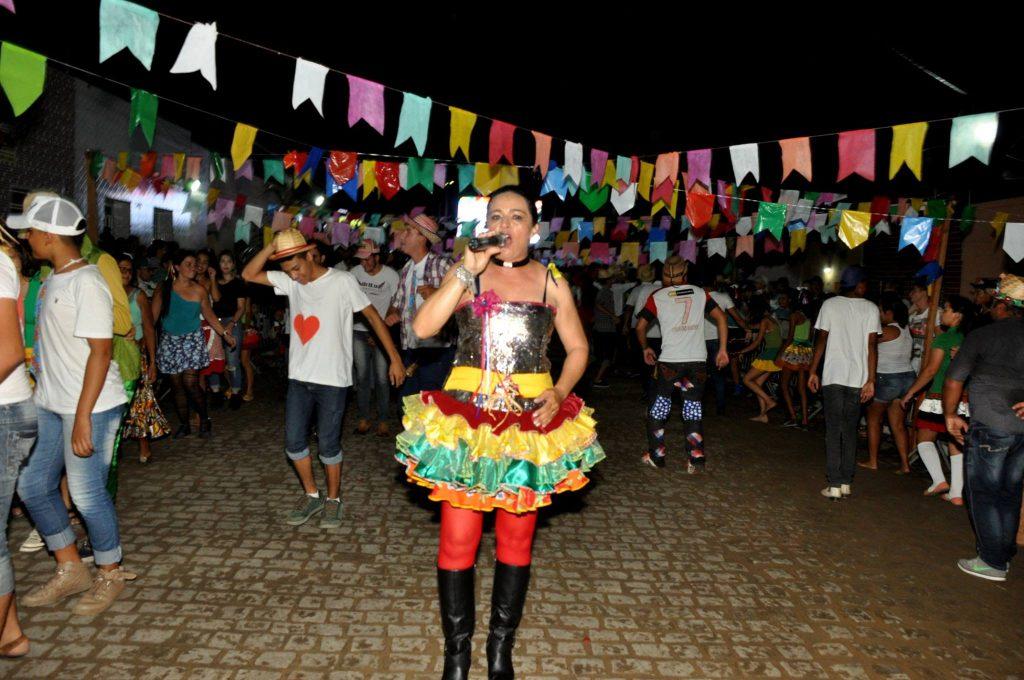 19092930_1899989703607553_8551681879560280233_o-1024x680 OPIPOCO mostra como foi a Terceira noite do festival de quadrilhas em Monteiro. Confira Imagens
