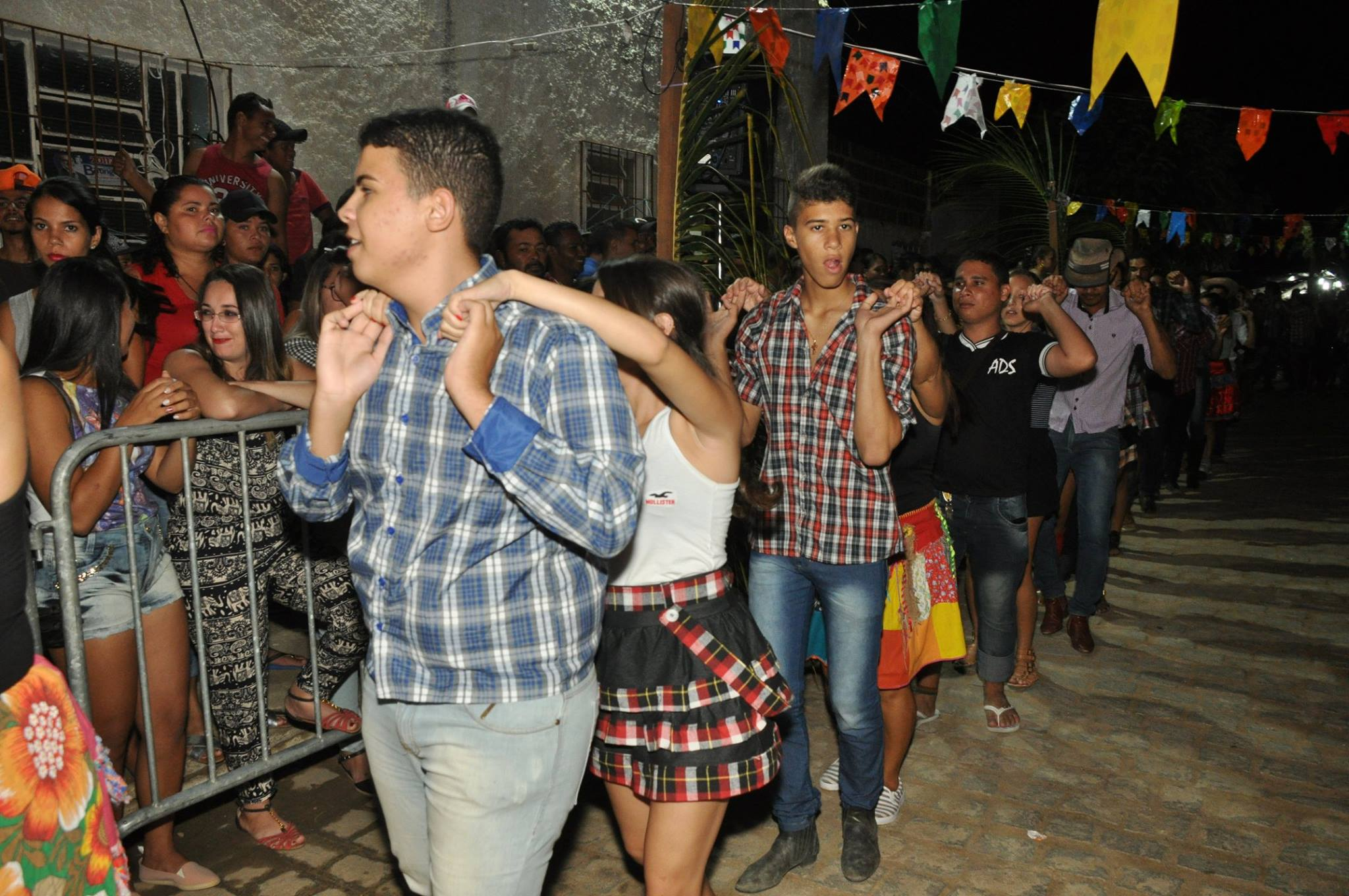 19092953_1899329950340195_2585444150794230421_o-1024x680 OPIPOCO mostra como foi a Segunda noite do festival de quadrilhas em Monteiro. Confira Imagens