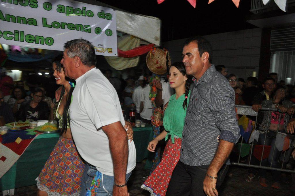 19092955_1899992896940567_880370715732188612_o-1024x680 OPIPOCO mostra como foi a Terceira noite do festival de quadrilhas em Monteiro. Confira Imagens