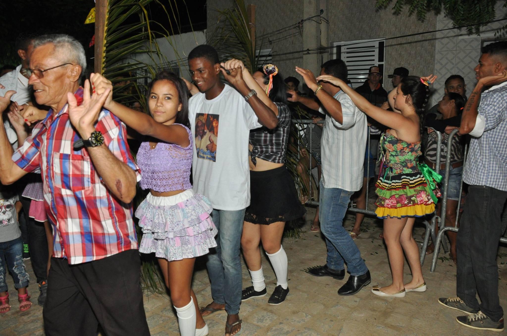 19092962_1899328777006979_2375883204599863045_o-1024x680 OPIPOCO mostra como foi a Segunda noite do festival de quadrilhas em Monteiro. Confira Imagens