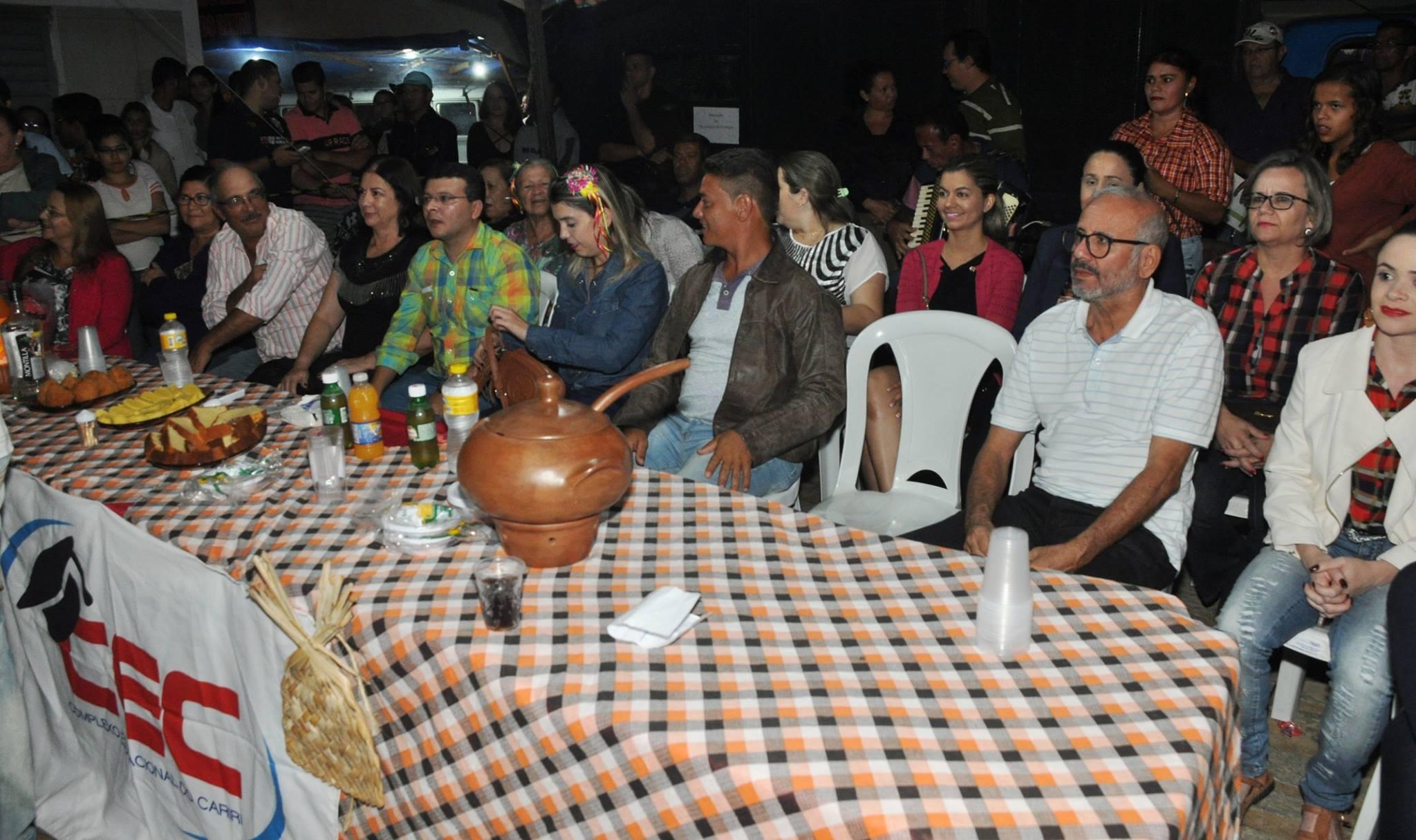 19092979_1899325253673998_7110700765060617811_o-1024x608 OPIPOCO mostra como foi a Segunda noite do festival de quadrilhas em Monteiro. Confira Imagens