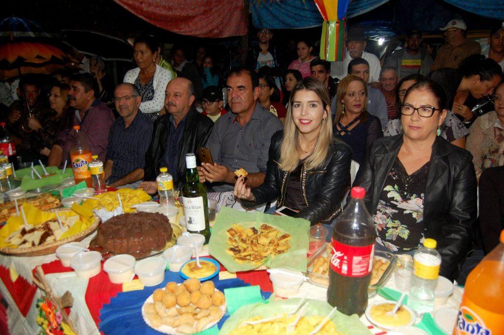 19092979_1900008063605717_6775724791216465318_o-1024x681 OPIPOCO mostra como foi a Terceira noite do festival de quadrilhas em Monteiro. Confira Imagens