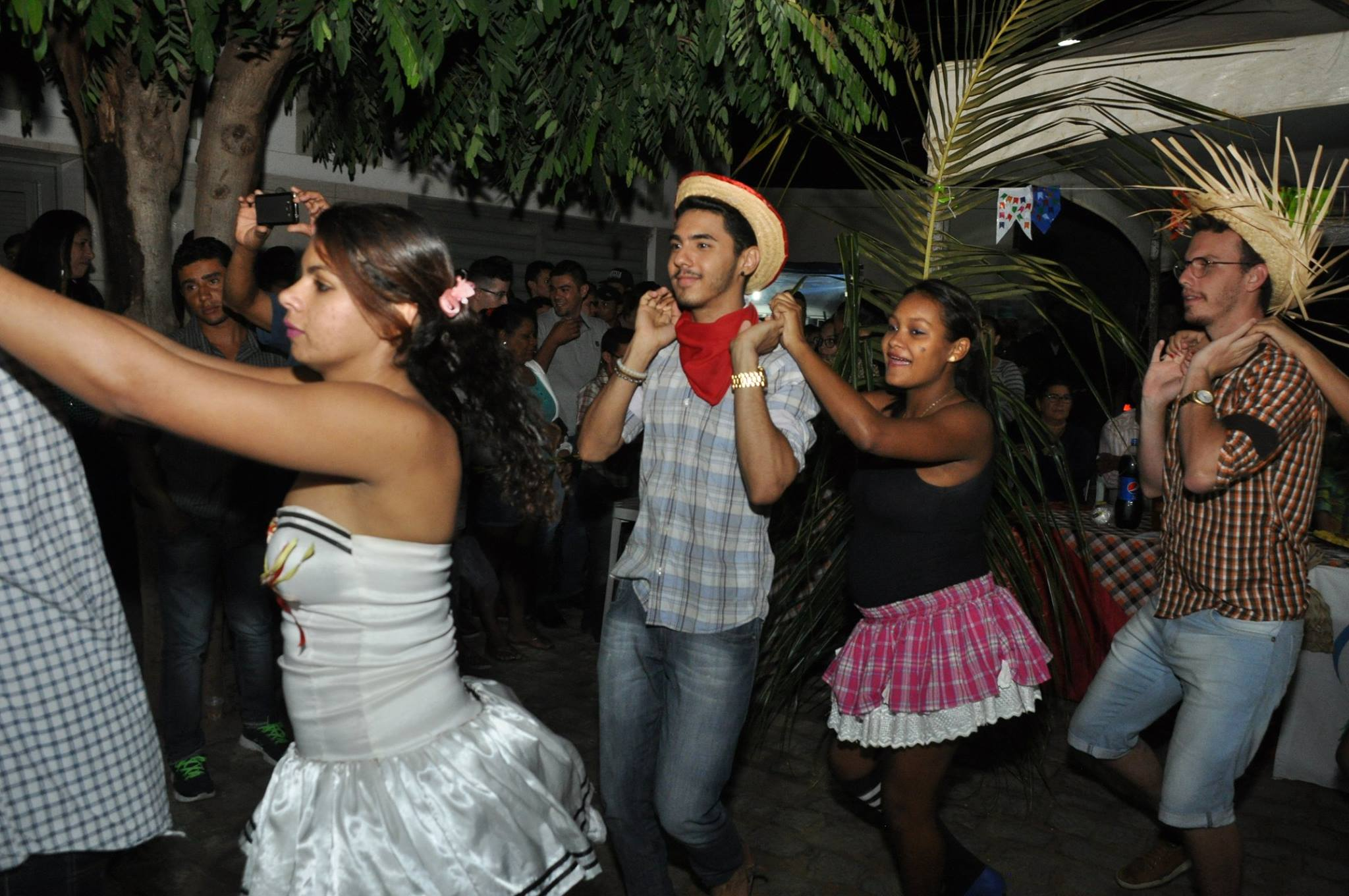 19095340_1899327107007146_6668229465802840790_o-1024x680 OPIPOCO mostra como foi a Segunda noite do festival de quadrilhas em Monteiro. Confira Imagens