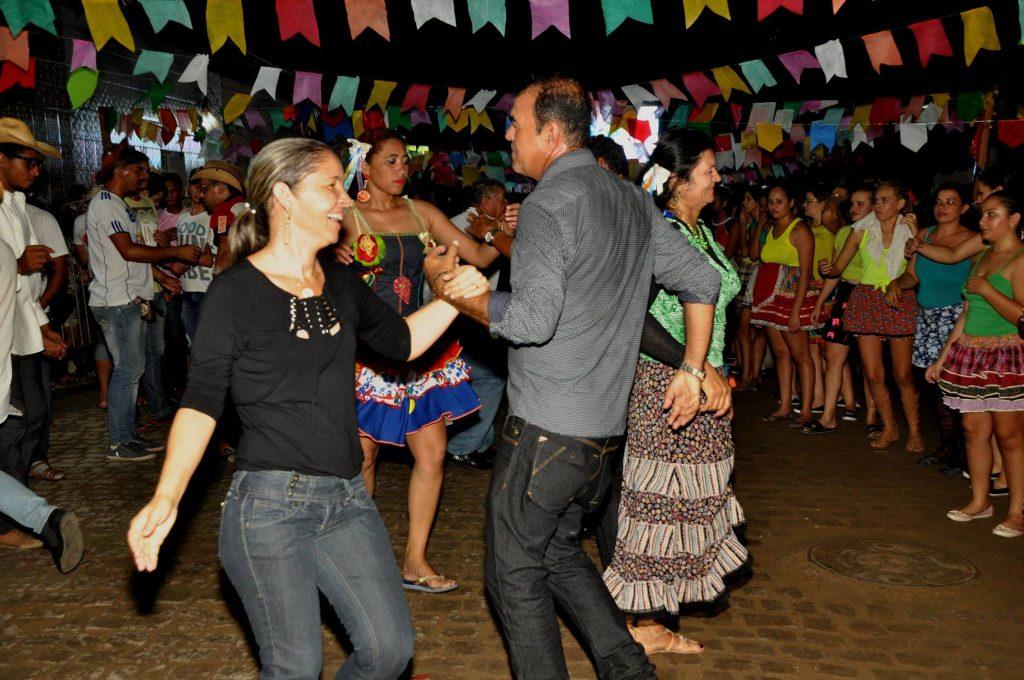 19095379_1899993056940551_7642703659843453336_o-1024x680 OPIPOCO mostra como foi a Terceira noite do festival de quadrilhas em Monteiro. Confira Imagens