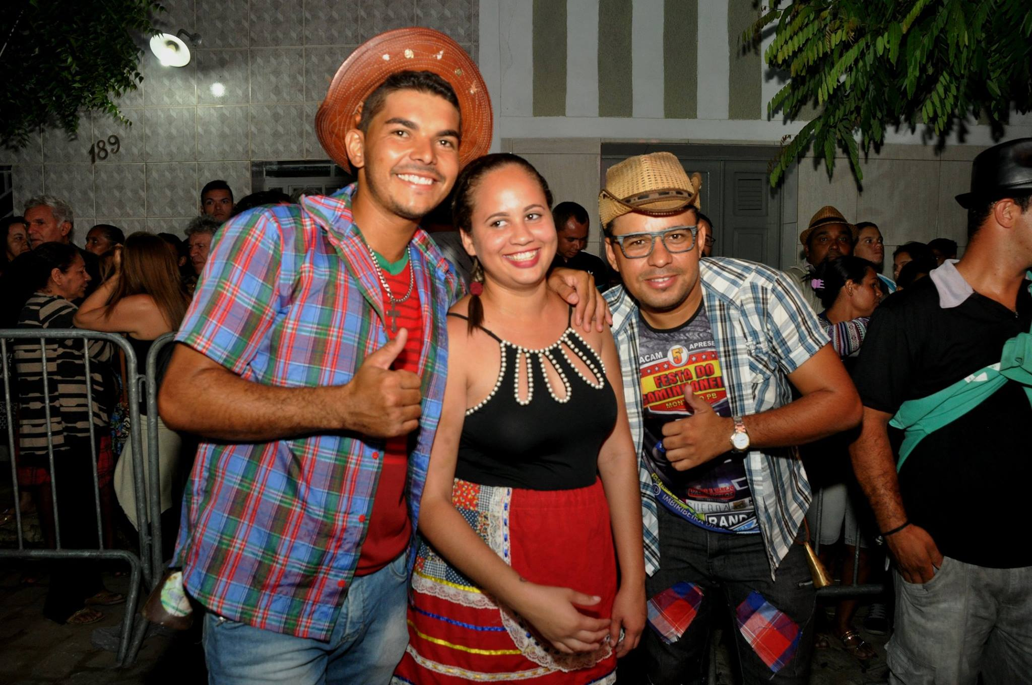 19095382_1899326723673851_2114947886278020732_o-1024x680 OPIPOCO mostra como foi a Segunda noite do festival de quadrilhas em Monteiro. Confira Imagens