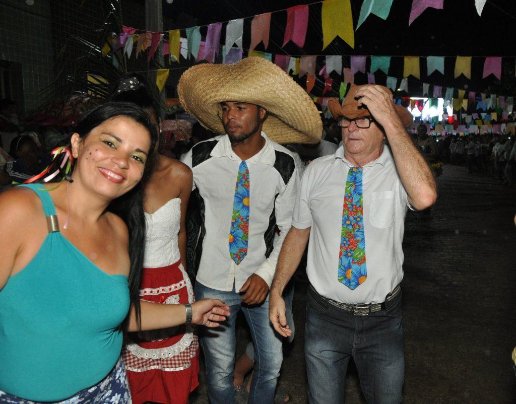 19095386_1899989620274228_5279681952862544411_o-1024x802 OPIPOCO mostra como foi a Terceira noite do festival de quadrilhas em Monteiro. Confira Imagens