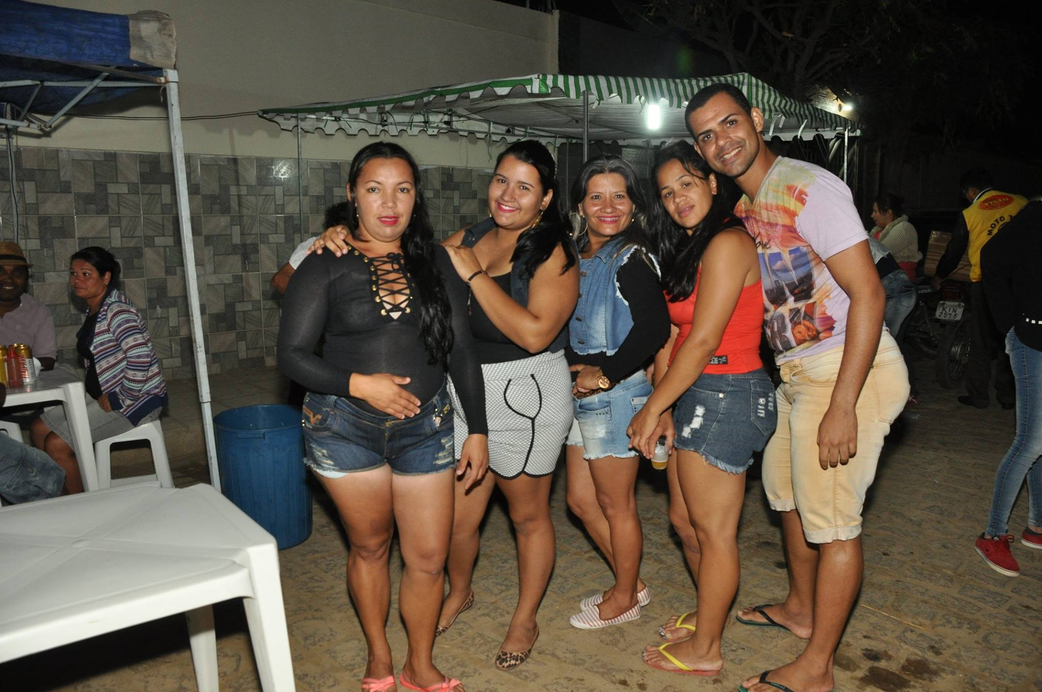 19095408_1899325953673928_7774058384751340346_o-1024x680 OPIPOCO mostra como foi a Segunda noite do festival de quadrilhas em Monteiro. Confira Imagens