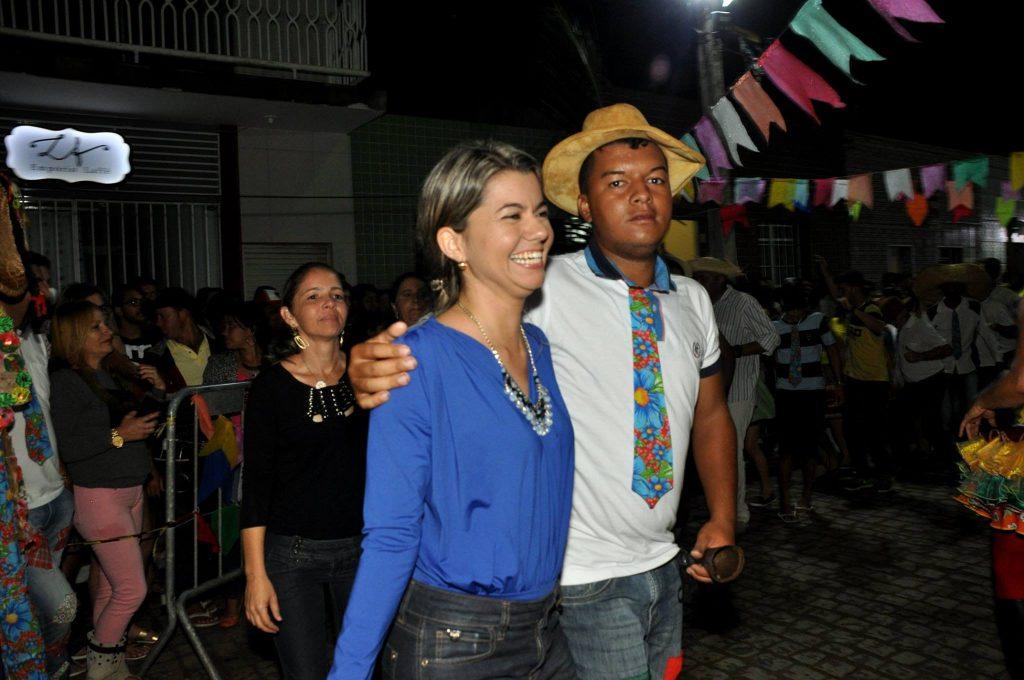 19095496_1899990156940841_2133761147004630254_o-1-1024x680 OPIPOCO mostra como foi a Terceira noite do festival de quadrilhas em Monteiro. Confira Imagens