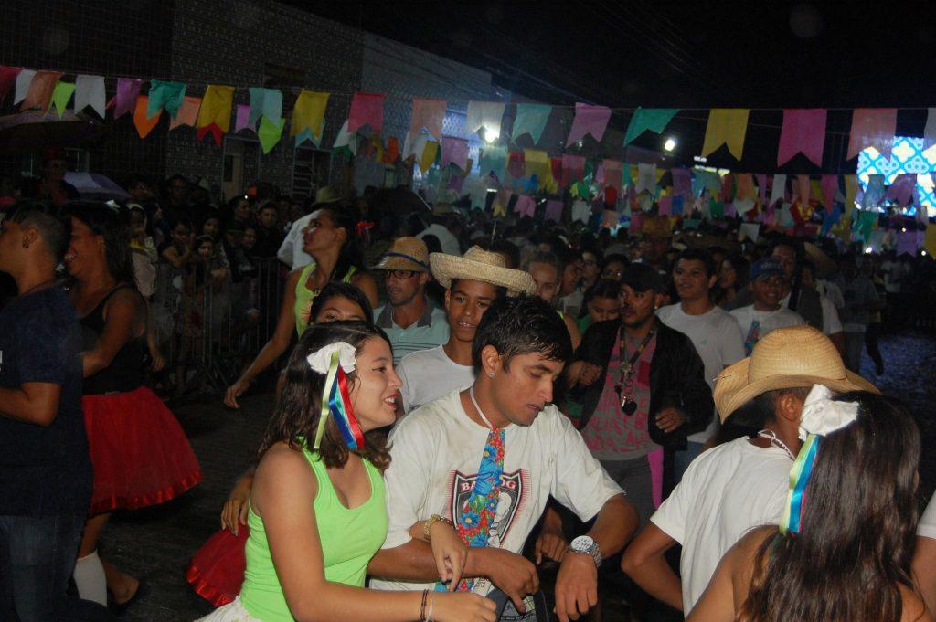 19095562_1900009050272285_2081154374677155165_o-1024x681 OPIPOCO mostra como foi a Terceira noite do festival de quadrilhas em Monteiro. Confira Imagens