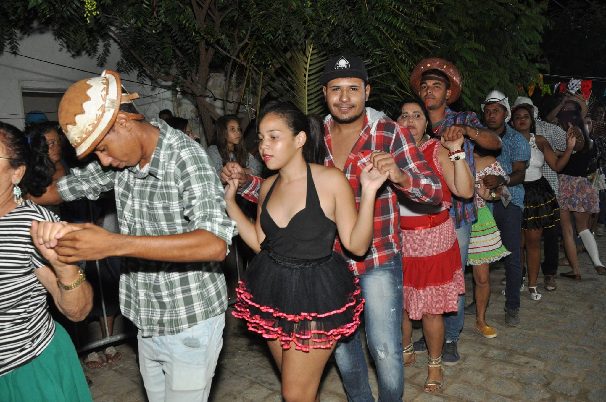 19095637_1899330377006819_4234978493758499597_o-1024x680 OPIPOCO mostra como foi a Segunda noite do festival de quadrilhas em Monteiro. Confira Imagens