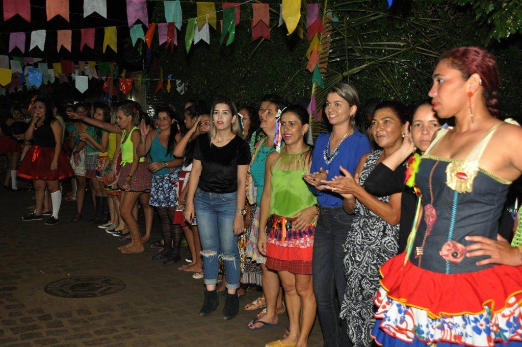 19095728_1899999106939946_2109595849075749873_o-1024x680 OPIPOCO mostra como foi a Terceira noite do festival de quadrilhas em Monteiro. Confira Imagens