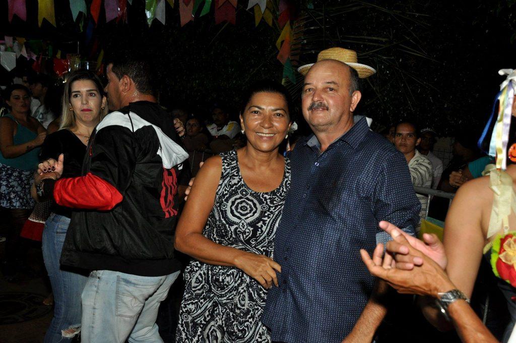 19142924_1899991326940724_5714848821164022843_o-1024x680 OPIPOCO mostra como foi a Terceira noite do festival de quadrilhas em Monteiro. Confira Imagens