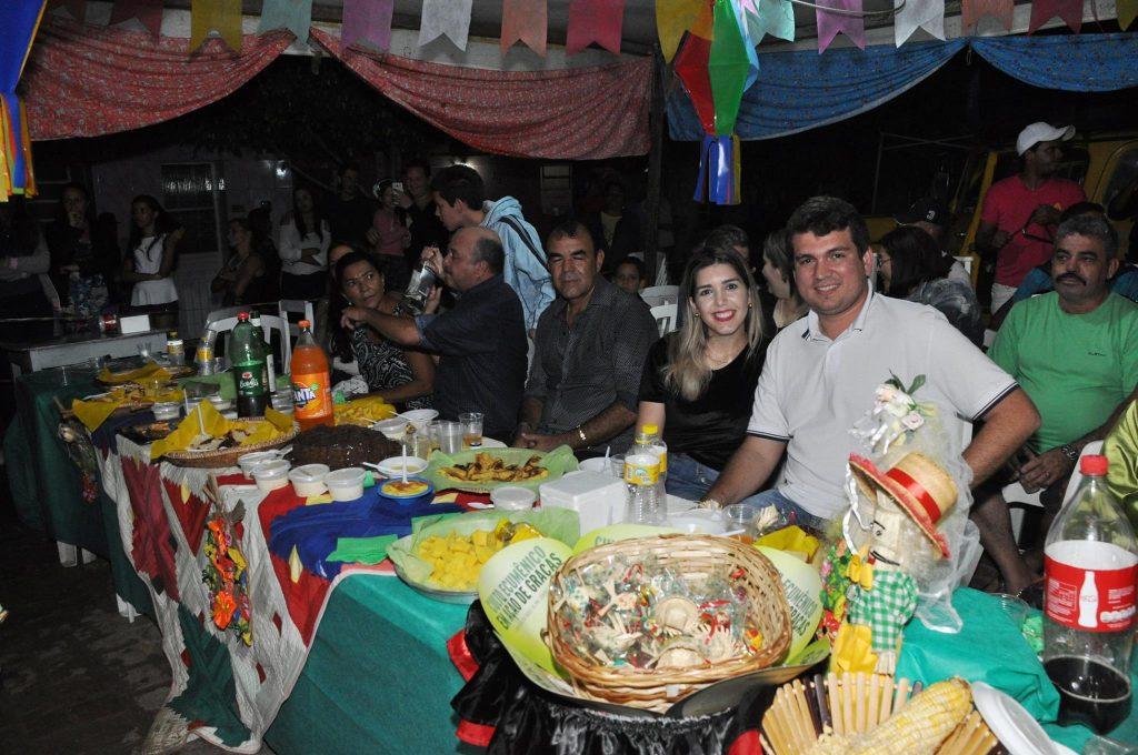 19143070_1900000186939838_5861494905443256621_o-1024x680 OPIPOCO mostra como foi a Terceira noite do festival de quadrilhas em Monteiro. Confira Imagens