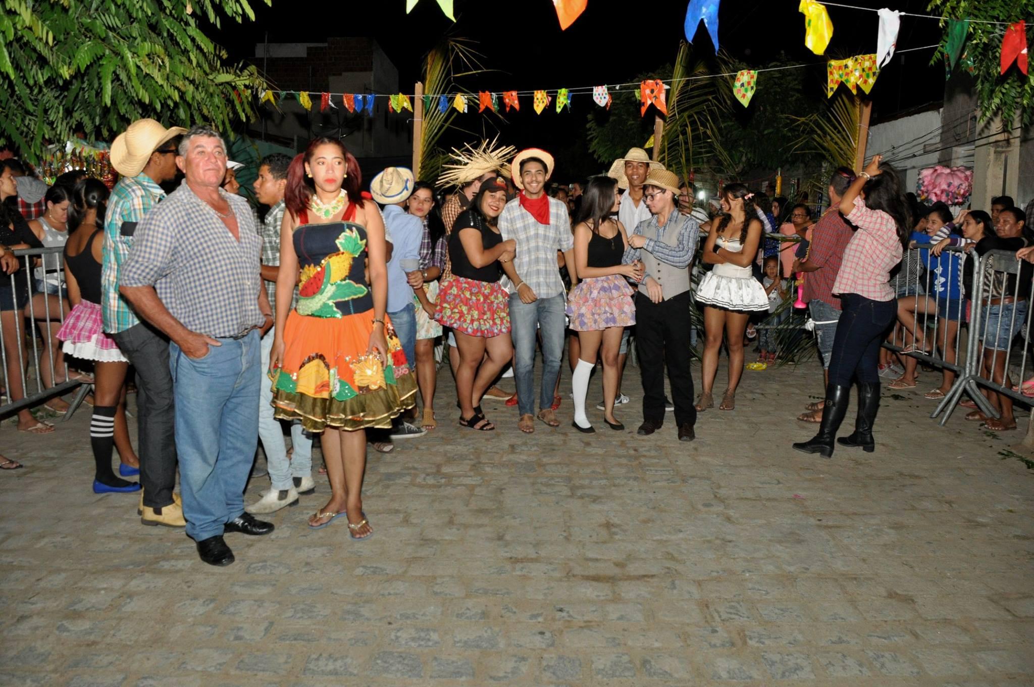 19143331_1899327990340391_8491006473726411988_o-1024x680 OPIPOCO mostra como foi a Segunda noite do festival de quadrilhas em Monteiro. Confira Imagens