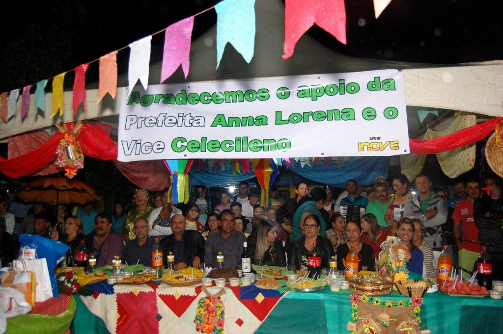 19143888_1900010253605498_6889457456957526132_o-1024x681 OPIPOCO mostra como foi a Terceira noite do festival de quadrilhas em Monteiro. Confira Imagens