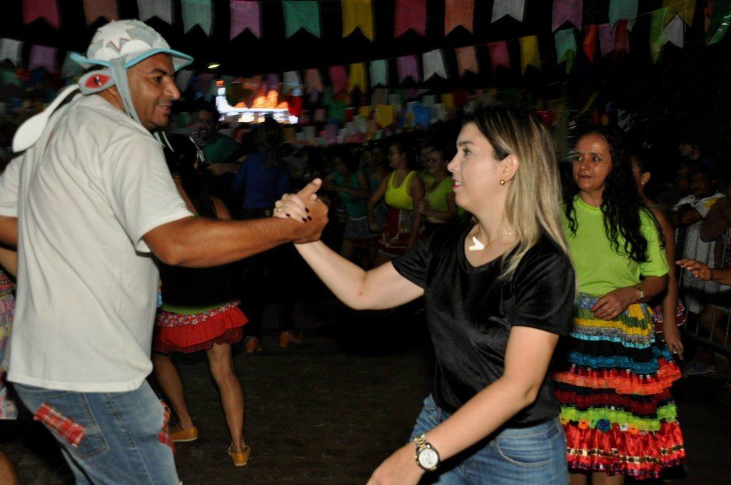 19143965_1899989523607571_523413653661484942_o-1024x680 OPIPOCO mostra como foi a Terceira noite do festival de quadrilhas em Monteiro. Confira Imagens