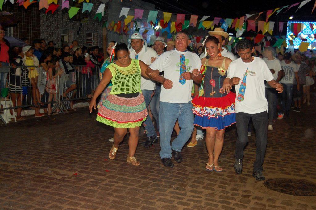 19221530_1900010530272137_209645907918497594_o-1024x681 OPIPOCO mostra como foi a Terceira noite do festival de quadrilhas em Monteiro. Confira Imagens