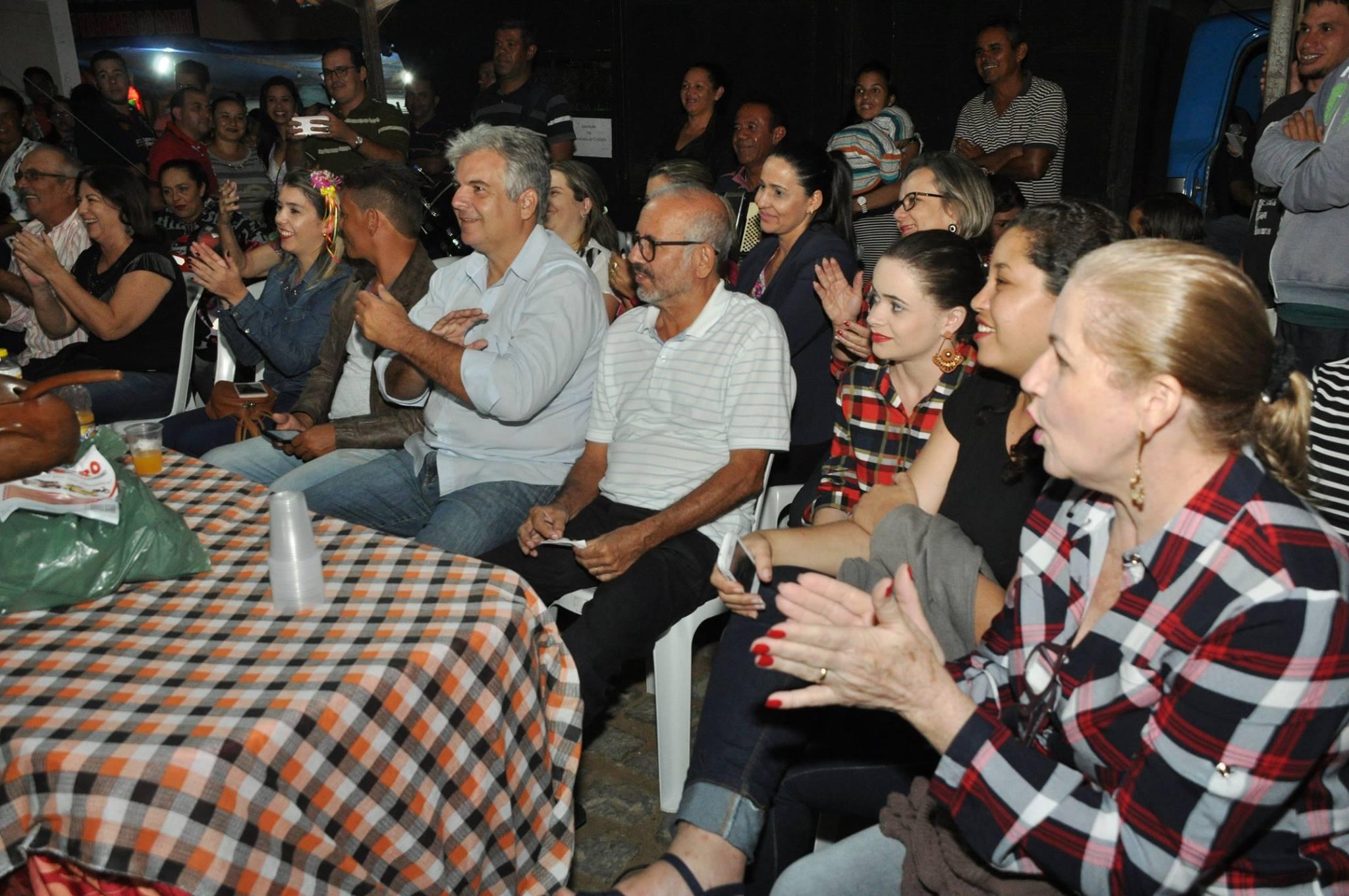 19221540_1899328280340362_4222923499971460330_o-1024x680 OPIPOCO mostra como foi a Segunda noite do festival de quadrilhas em Monteiro. Confira Imagens