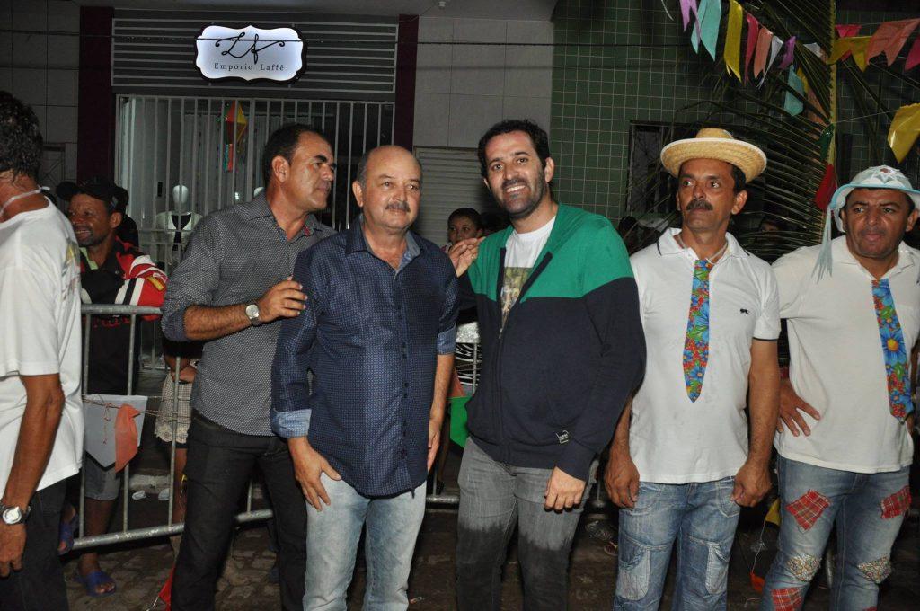 19221801_1899992193607304_5521929061649939886_o-1024x680 OPIPOCO mostra como foi a Terceira noite do festival de quadrilhas em Monteiro. Confira Imagens