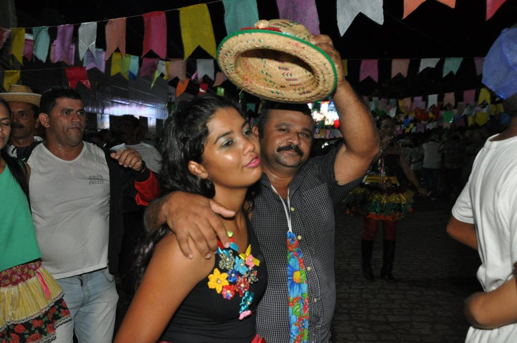 19222745_1899990766940780_7023182393316100660_o-1024x680 OPIPOCO mostra como foi a Terceira noite do festival de quadrilhas em Monteiro. Confira Imagens