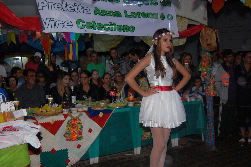 19222782_1900008200272370_3611807336950094989_o-1024x681 OPIPOCO mostra como foi a Terceira noite do festival de quadrilhas em Monteiro. Confira Imagens